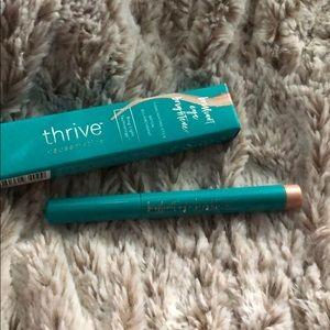 thrive brilliant eye brightener